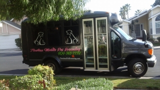 Mobile Groomer's Flawless